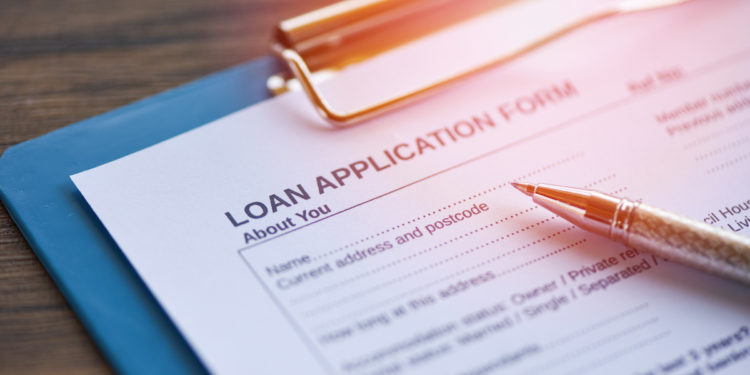 LoanDepot gaining market share as income slim