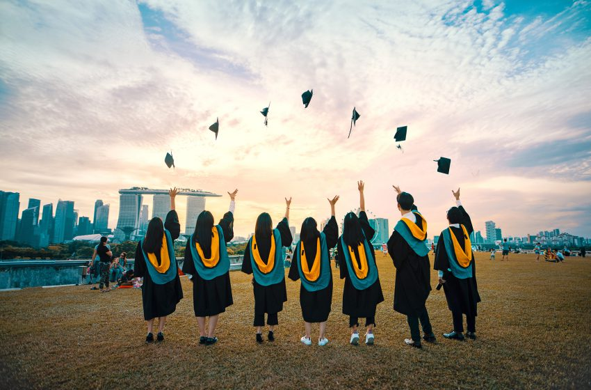 Fresh Graduates: Here's Why You Should Never Pay Your University Loans In Advance